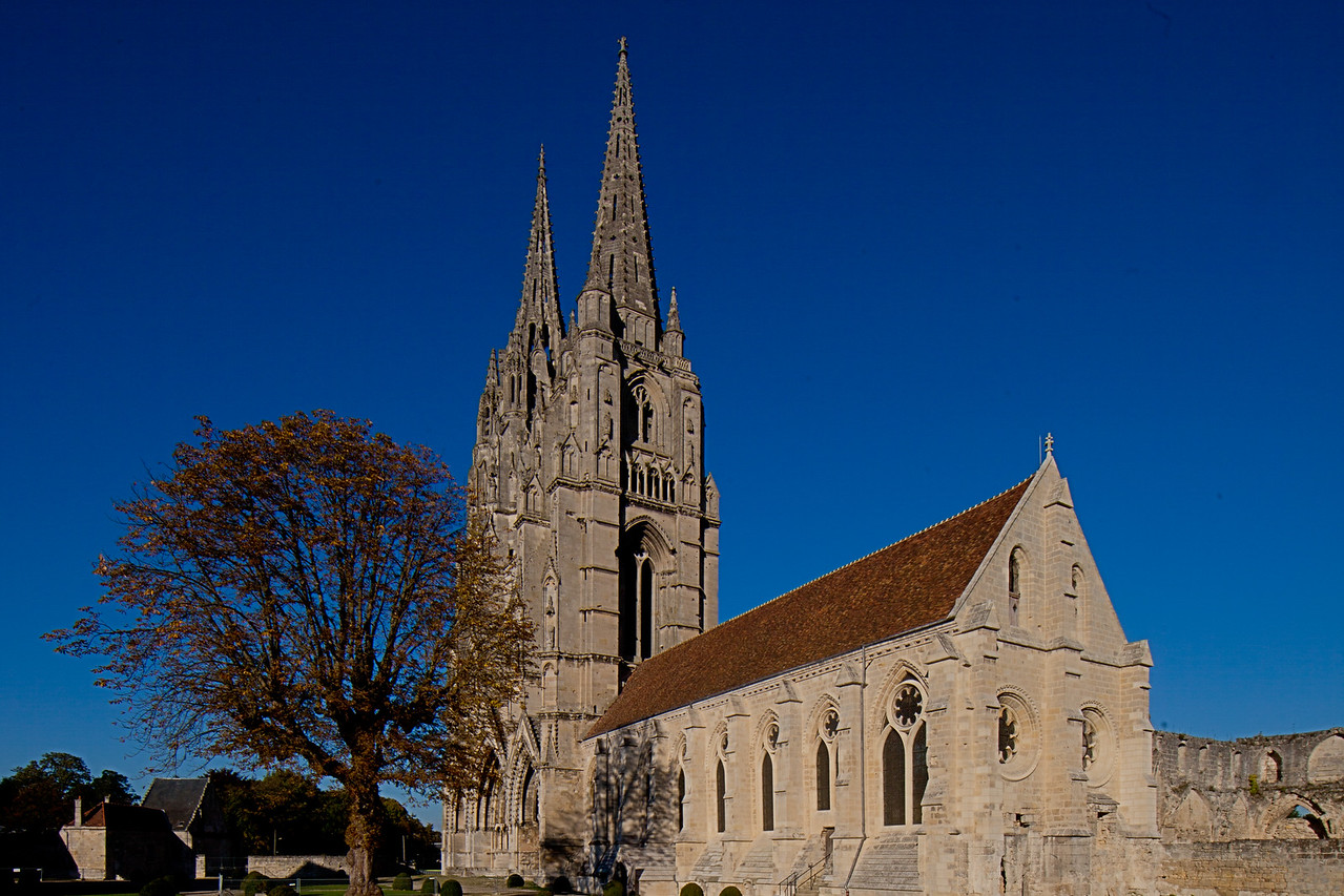 Soissons, Saint-Jean-des-Vignes Abbey Refectory and Facade Towers