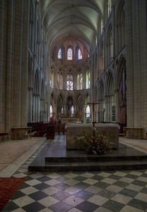 Caen Abbaye-aux-Hommes - Altar & Choir