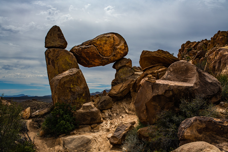 Balanced Rock - Grapevine Hills
