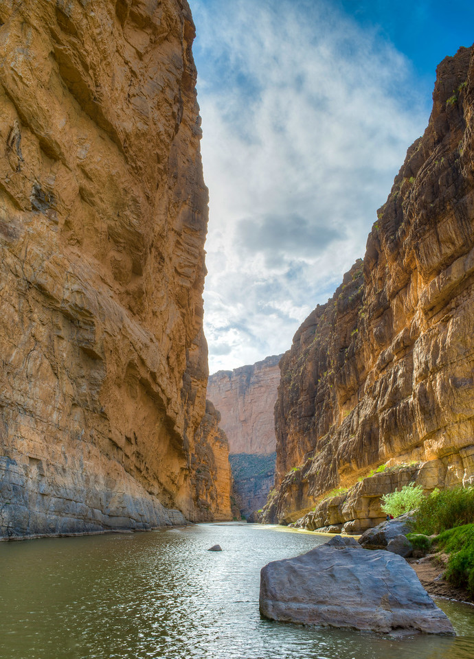 Another look at Santa Elena Canyon at the end of the trail. A remarkable place that makes you feel very small.....