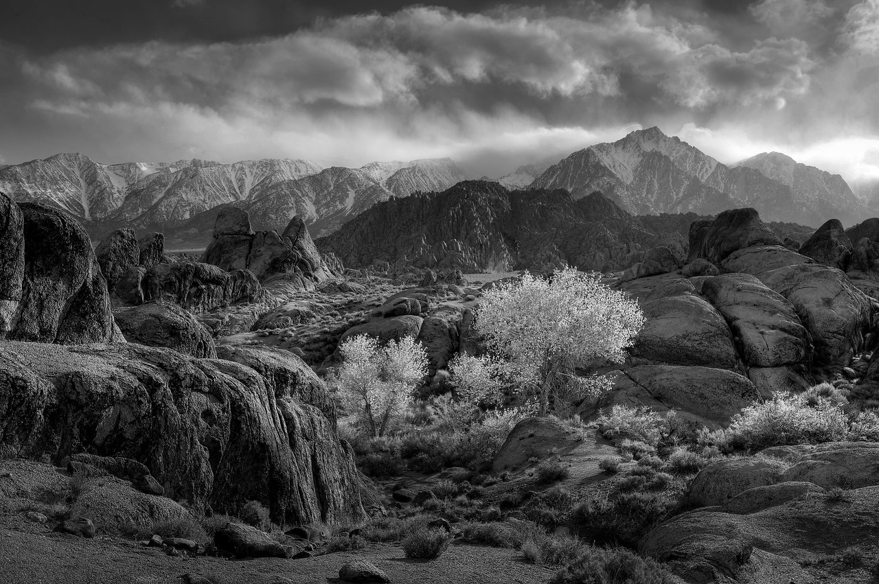 Alabama Hills B&W HDRI April 2010.