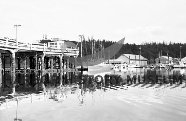Pen Yacht Basin pier and docks