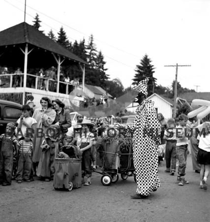 Kokomo with kids at Pet Parade