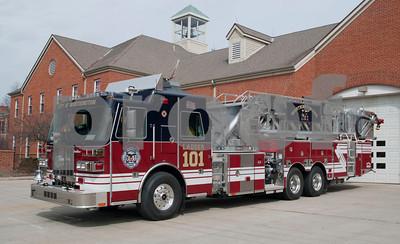 Worthington FD L-101 2011 Sutphen 100' 1500-400 aaaaa