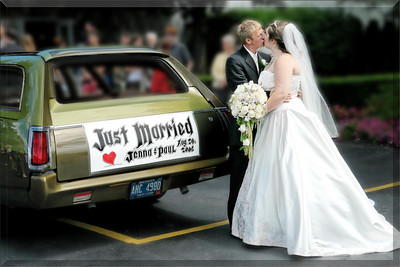253850419_5718paul & jen-car-kiss-9 by 6- (3)-border