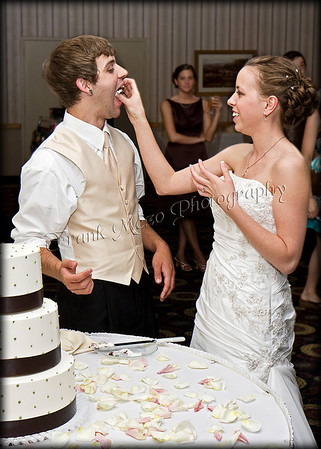 316364873_1089 derek & kortnie-cutting cake copy-border
