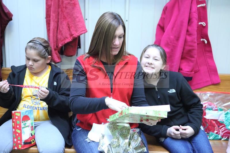 2011 Church Gift Exchange_0020