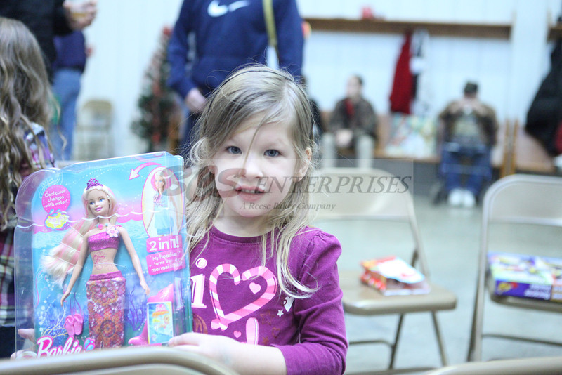2011 Church Gift Exchange_0051