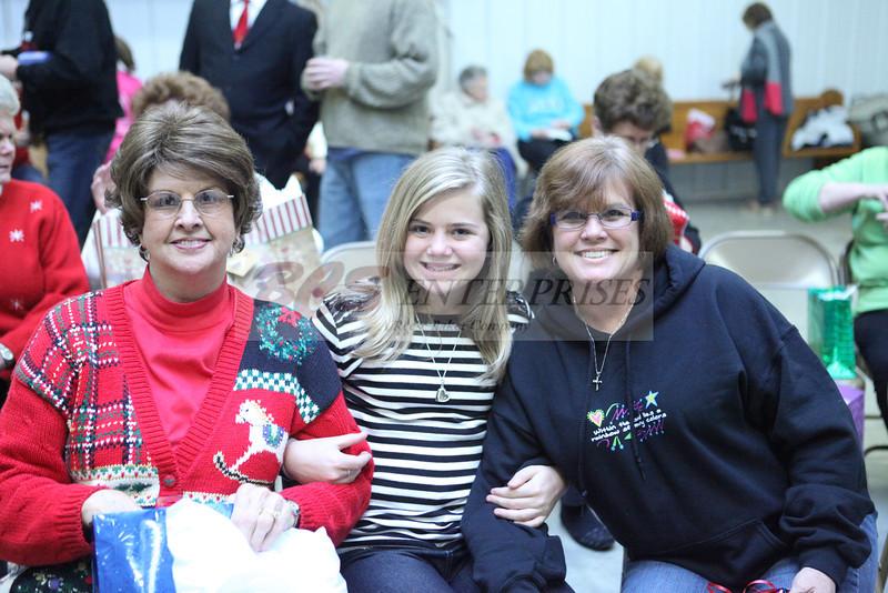 2011 Church Gift Exchange_0012