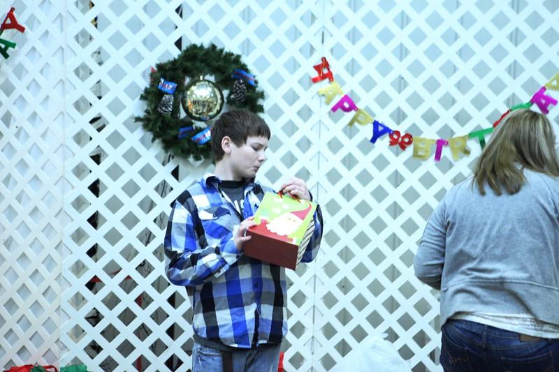 2011 Church Gift Exchange_0016