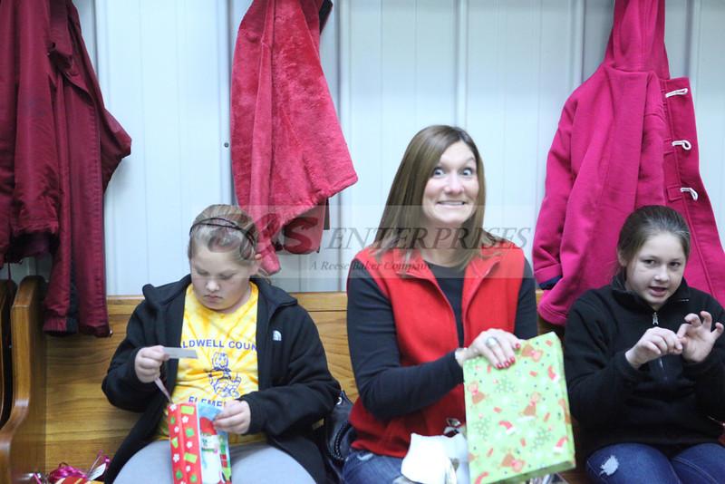 2011 Church Gift Exchange_0019
