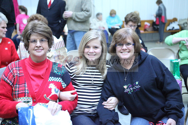 2011 Church Gift Exchange_0013
