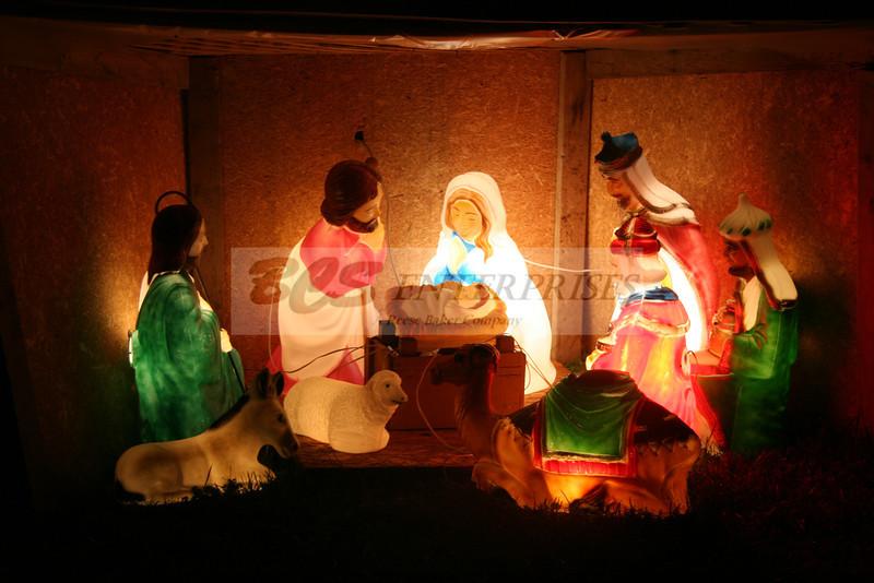2011 Christmas Caroling_0026
