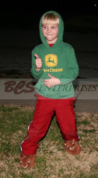 2011 Christmas Caroling_0007