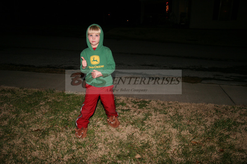 2011 Christmas Caroling_0008