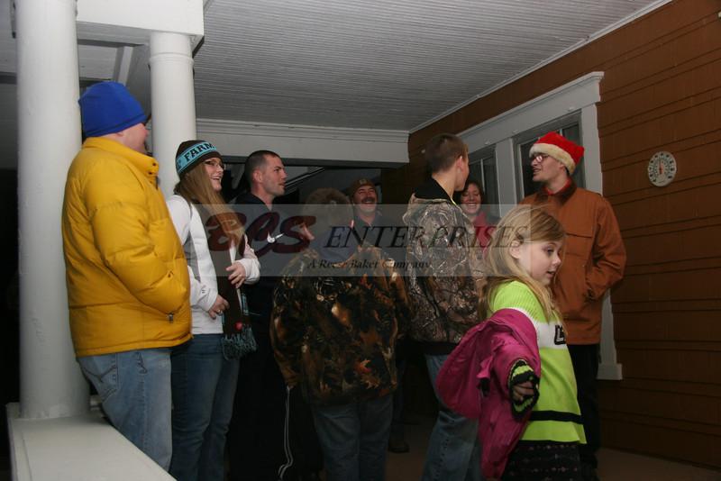 2011 Christmas Caroling_0042