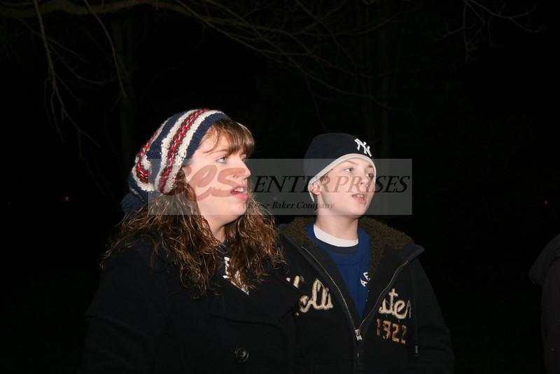 2011 Christmas Caroling_0043