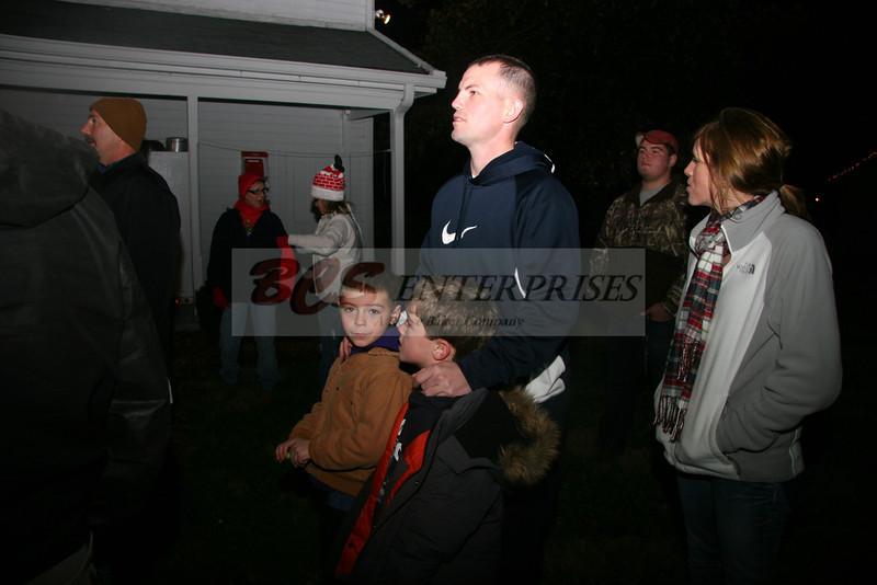 2011 Christmas Caroling_0036