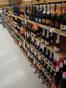 015-wine_aisle-wdsm-16jan13-9326