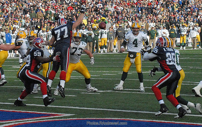 Bret Favre TD pass to Don Beebe