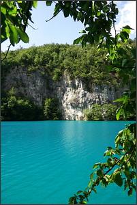 Barva zdejší vody mì doslova fascinovala, takže omluvte spoustu zdánlivì stejných fotek