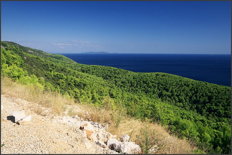 A znovu pohled na východ k ostrovu Mljet.