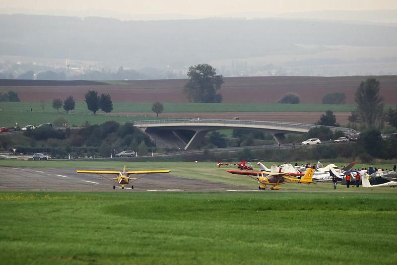 Ke startu se zvolna chystá trojice ultralightů Aeroprakt 22