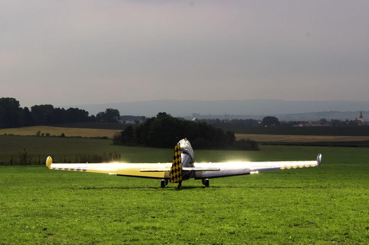 Experimentální Zlín Z326 s fotonovým pohonem