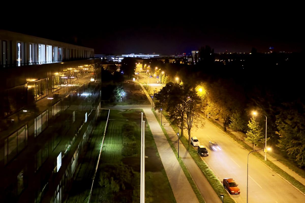 Pohled z vyhlídky přírodovědecké fakulty směrem na Šantovku