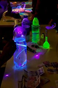 Prosvěcování tonicu UV laserem.