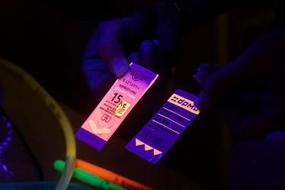 Ještě jednou jízdenky pod UV lampou