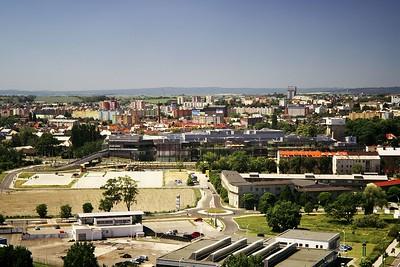Šantovka a v pozadí sídliště Nové sady, Povel a Nová ulice