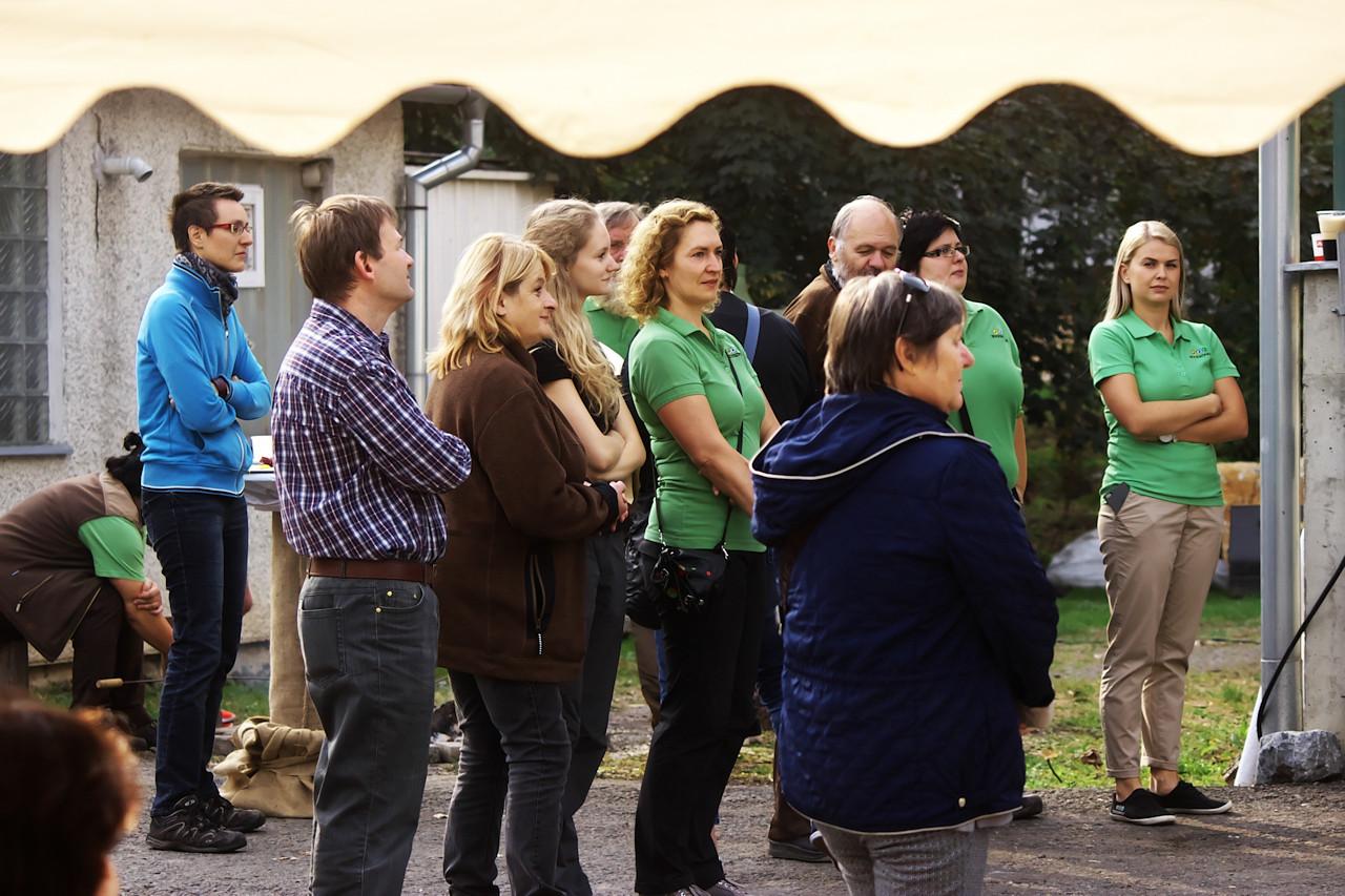 V zelených tričkách personál ZOO