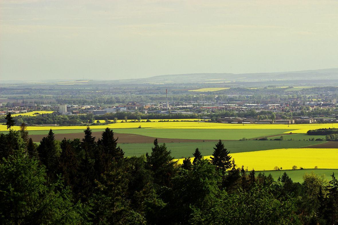 Ještě jednou pohled z věže rozhledny na Olomouc směrem na jihozápad.