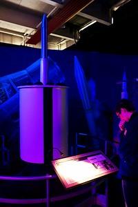 První americká družice Explorer 1 (částečně odkrytovaná)