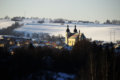 Kostel v Bystrém v bližším záběru