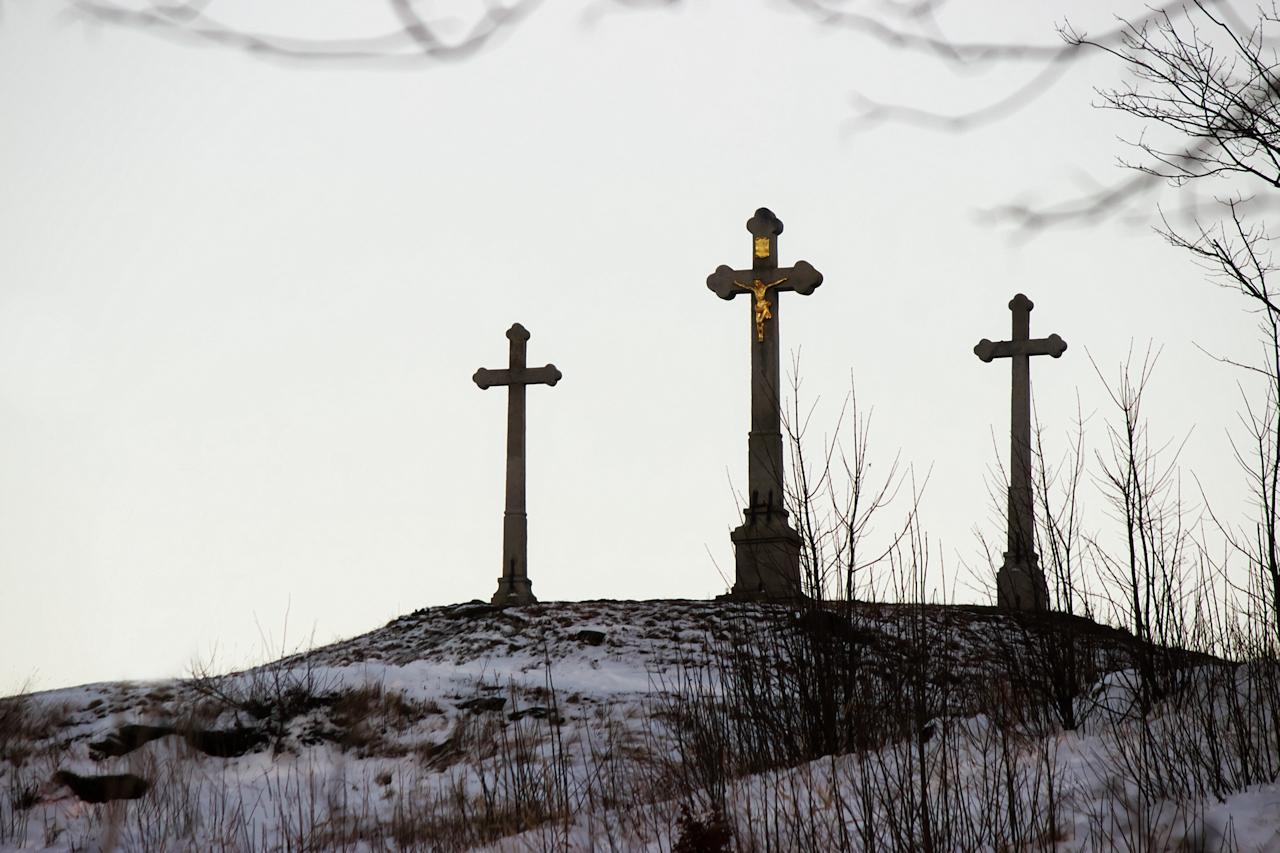 Tři kříže na vrchu Kaplisko nad Novým Městem