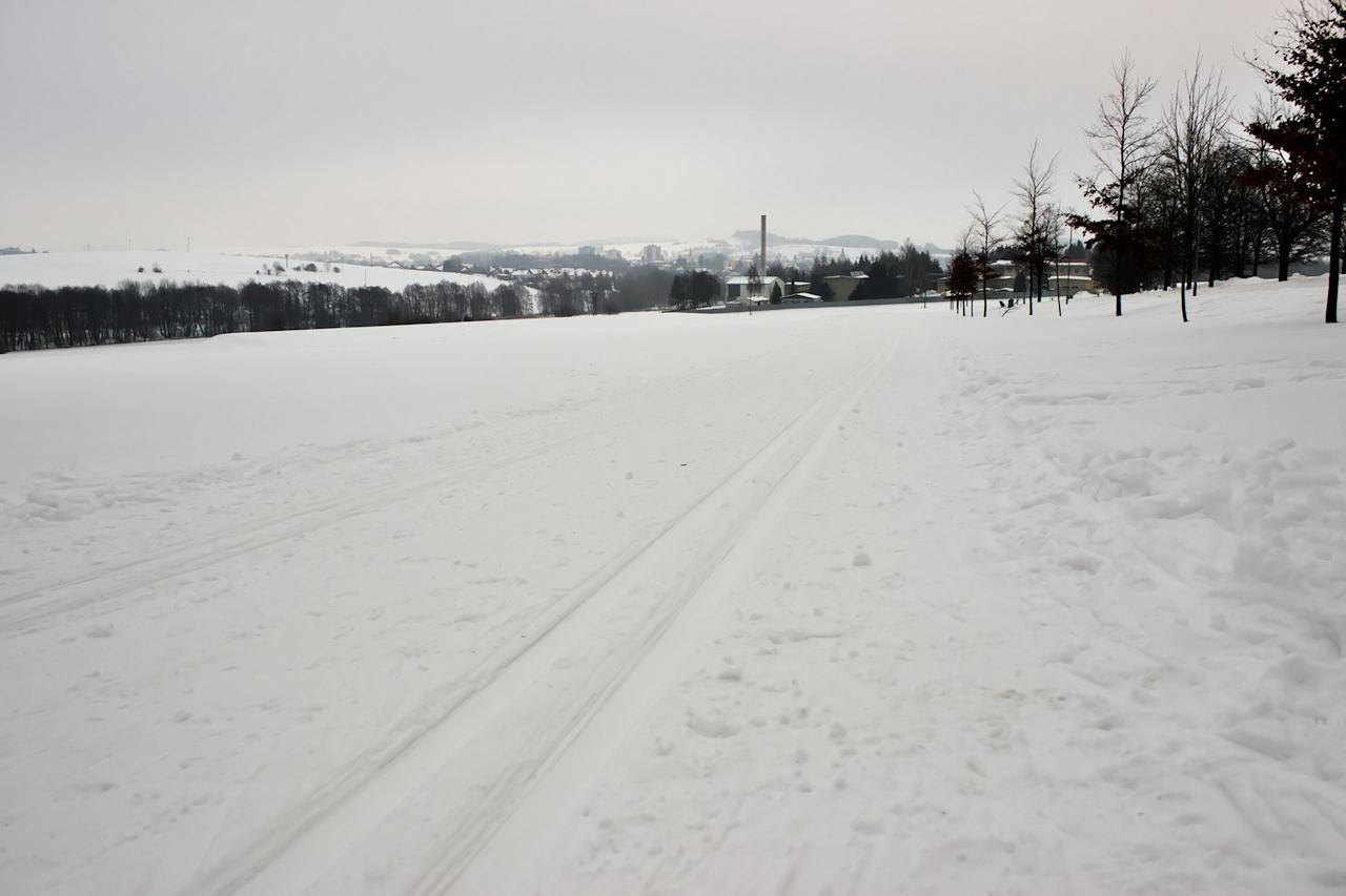 Nové Město na Moravě téměř přímo z běžecké stopy