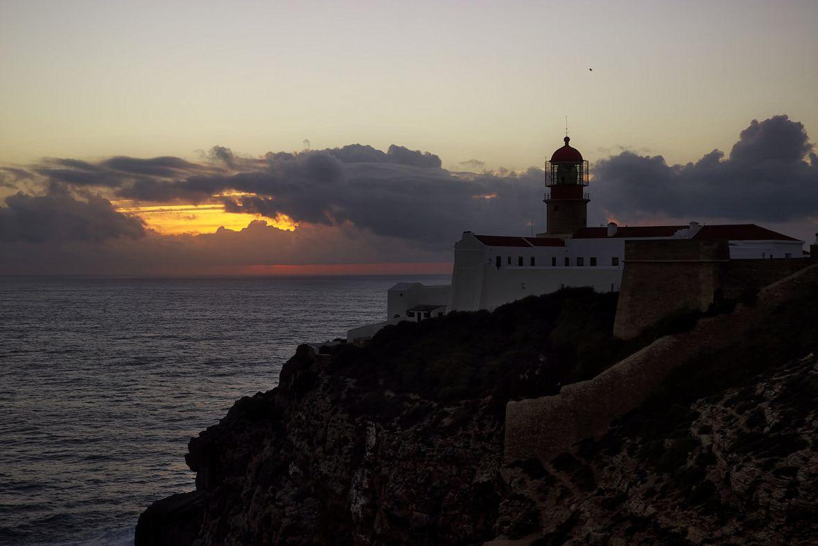 To je on - maják na Cabo de Sao Vicente, nejjihozápadnějším výběžku pevninské Evropy a našem druhém konci světa. I tady si tak skutečně připadáte...