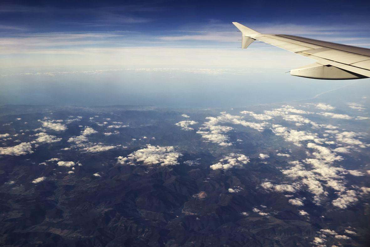 Pohled od Pamplony na severní pobřeží Španělska a hranici mezi Španělskem a Francií
