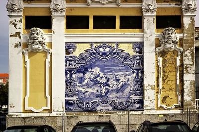 Historická budova u parku Eduarda VII, která má na sobě výjevy slavných portugalských bitev. Tady je bitva u Sagrese.