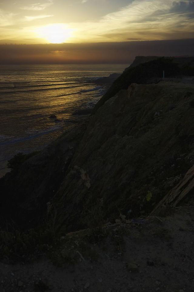 Na útesech nad pláží Arrifana