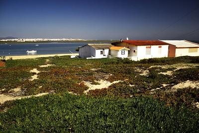 Pohled ze stezky směrem na Faro