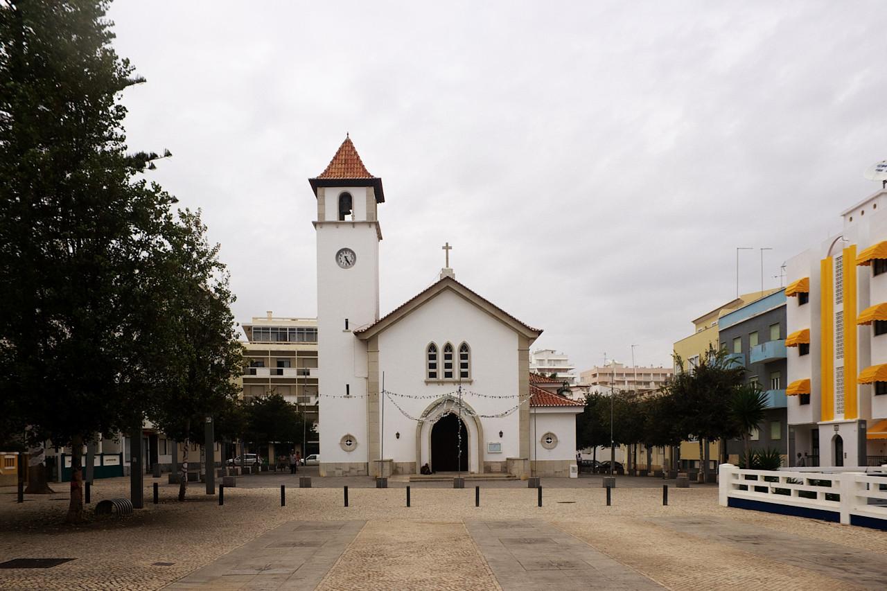 Kostel v Armacao de Pera