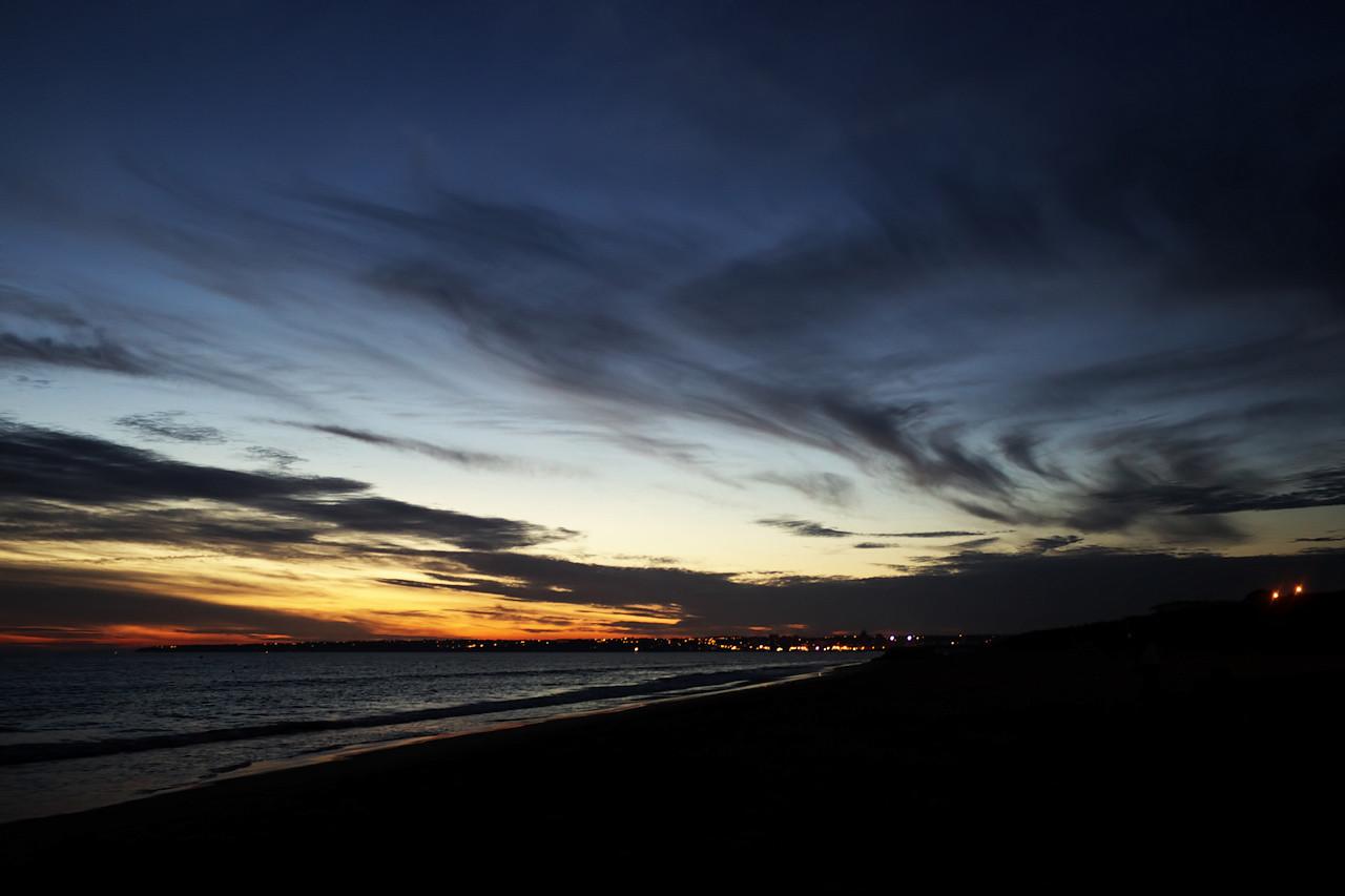 """Jsme v Algarve, opět ubytování ve výtečné Quinta do Penedo, a sledujeme první letošní algarvský západ slunce na """"naší"""" pláži Galé"""