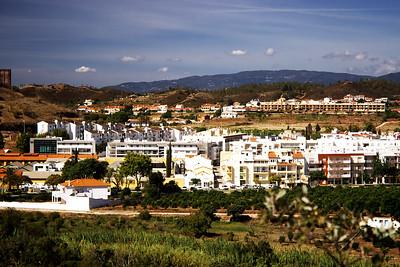 V pozadí hřeben Fóiy, nejvyšší hory Algarve, kde jsme byli vloni