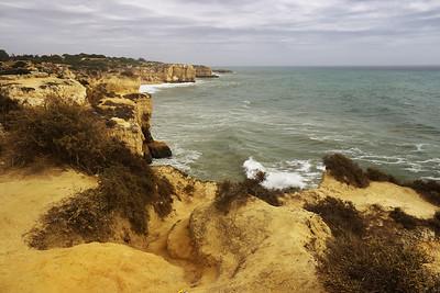 Pohled po pobřeží směrem na východ