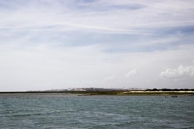Pohled přes mokřady Rio Formosa na Faro