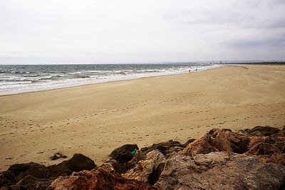 Praia da Ponta da Areia - nejvýchodnější pláž Portugalska. V pozadí hotely Monte Gordo.