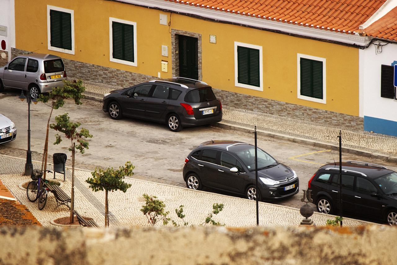 Z hradního cimbuří jsme mohli dohlížet i na auto, zaparkované na náměstí v Castro Marim